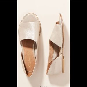 NWOT Anthropologie 8.5 Gold Shoes